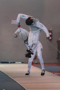 Hector Cruz against someone else at the 2013 Panamerican junior championships fencing, man. fencing blog