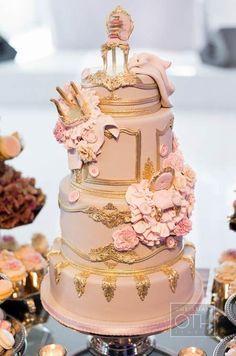 Stunning cake design by Cake Opera