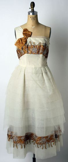 Evening dress, Design House: House of Lanvin (French, founded Designer: Antonio del Castillo (Spanish, Madrid Date: Culture: French Medium: silk, metal Moda Fashion, 1950s Fashion, Vintage Fashion, Jeanne Lanvin, Vintage Gowns, Vintage Outfits, Christian Dior, Moda Vintage, Vintage Couture