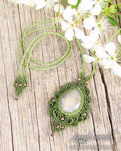 #angyalcsomozda #micromacrame #macrame #necklace #macramenecklace #stone #gemstone #labradorite #handmade #jewelry #boho #bohemian #tribal #ethnic #festivaljewelry #tribaljewelry #fairy #gipsy #fashion #goa #psy #bohojewelry #hippie #fairynecklace
