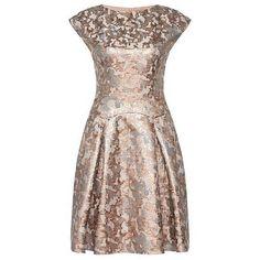 Elegantes Kleid mit Metallic-Effekten von Hugo Boss. Der perfekte Look für Weihnachten und Silvester.