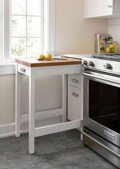 39 The Best Small Kitchen Remodel Ideas - Are you planning to sell your home? Then it is important that you give enough focus to small kitchen remodeling ideas. The kitchen in any home is a hu. Kitchen Cart, New Kitchen, Kitchen Ideas, Kitchen Small, Kitchen Cabinets, Shaker Cabinets, Cheap Kitchen, Kitchen Designs, Awesome Kitchen
