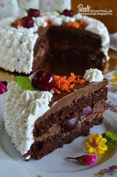 Apa szerint a legfinomabb csokitorta, amit valaha evett! Ugye akkor nem kell tovább bizonygatnom, hogy milyen is lett és miért érdemes elké. Healthy Dessert Recipes, Sweets Recipes, Sweet Desserts, Cookie Recipes, Torte Recepti, Torte Cake, Hungarian Recipes, Pastry Cake, Sweet And Salty