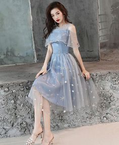 Description Blue tulle lace short prom dress, blue homecoming dress Material: lace, tulle Size: US US US US US US 12 US 2 Shoulder to 4 Shoulder to 6 Shoulder to 8 Black Evening Dresses, Cheap Evening Dresses, Short Lace Dress, Short Dresses, Dress Black, Blue Homecoming Dresses, Mode Kpop, Tulle Dress, Tulle Lace