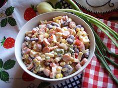 Kuchnia z widokiem na ogród: Sałatka meksykańska z kabanosami. HIT Imprezy.