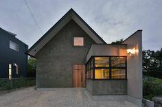 Habitações translation missing: pt.style.habitações.moderno por Nobuyoshi Hayashi