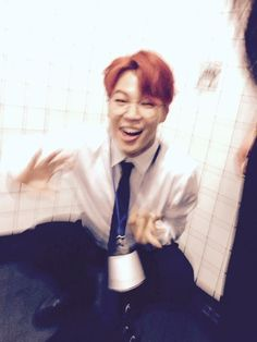 "BTS Tweet - Jimin (selca) 150630 -- 지민아 사진은말이야 추억이야~ --- [TRANS] ""Jimin, these are pictures~ they're memories~"" --- cr: ARMYBASESUBS ‏@BTS_ABS"