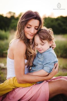 Shots by Cheyenne Mother and Son // family portrait // Model: Stephanie Thorpe