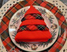 Servietten aus Stoff falten Weihnachtsbaum