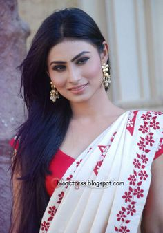 kailasanathan serial actress mouni roy (Sati) very hot and sexy Photoshoot Mauni Roy, Gold Movie, Tv Girls, Looking Gorgeous, Beautiful, Jacqueline Fernandez, Hd Photos, Photos 2016, Celebs