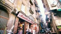 Italian Street Food – Napoli The best and most popular food world wide is Italian and Naples is at the heart of this wonderful experience. Take a moment and enjoy. From Wikipedia From You Tube Dominic and Frank forever Celebrating Life, Love and the Italian Experience Click here to visit our webpage Everybody Loves Italian