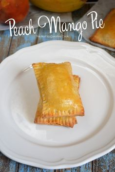 Peach Mango Pie - The Not So Creative Cook - Gelia Cañete - Filipino desserts Mango Recipes, Pie Recipes, Chicken Recipes, Cooking Recipes, Mango Desserts, Recipies, Yummy Recipes, Yummy Food, Filipino Desserts