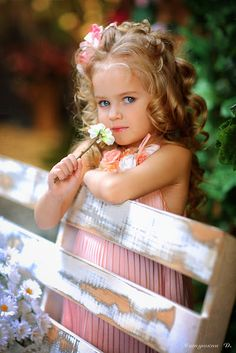Lil miss gorgeous Cute Little Girls Outfits, Cute Little Baby, Little Ones, Beautiful Children, Beautiful Babies, Cute Kids, Cute Babies, Kids Girls, Baby Kids