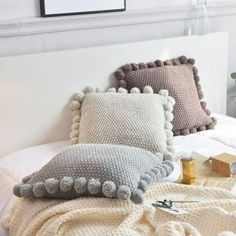 Knitted Pom Pom Pillow Cases, comfy cushion covers for sofa bed. Three colors to choose. ****** Style: Twill Technics: Knitted Shape: Square Use: Deco Knitted Cushion Covers, Knitted Cushions, Knitted Throws, Diy Cushion Covers, Cushion Cover Designs, Crochet Pillow Pattern, Knit Pillow, Pillow Room, Neck Pillow