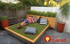It's the summer, so what's better than taking a little siesta in a soft lush bed of grass? But if you don't have a yard or your grass isn't up to snuff, then you can just build a grass day bed. In the video above, Better Homes and Gardens walks Outdoor Rooms, Outdoor Gardens, Outdoor Living, Outdoor Furniture Sets, Outdoor Decor, Outdoor Sofa, Garden Deco, Better Homes And Gardens, Amazing Grass