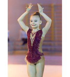 Соня Барановская  #гимнасткисосновогобора #фотокустова #луга2017звездный #художественнаягимнастика #хг