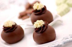::: #atteliededoces #docesfinos #carolinadarosci #casamento #sobremesa #docinhos #docesgourmets #mesadedoces #artesanal #chocolate
