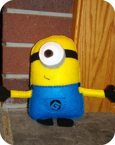 minion, if I could make this a little bit bigger, I think Abby would have a ball with it! She loves despicable me!