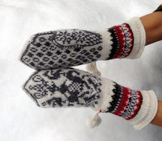 Norwegian Mitts  Return to the Fiords by domklary on Etsy, $40.00