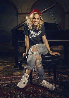Rita Ora, Jordans, ripped jeans, beanie