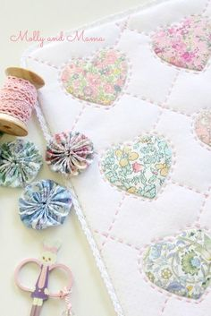 The Hearts of Friendship mini quilt is a free PDF pattern from the lovely Elise at 'Elise & Emelie'. Read more to see my take on her sweet pattern. Heart Quilt Pattern, Mini Quilt Patterns, Hand Quilting Patterns, Baby Girl Quilts, Girls Quilts, Girl Bedding, Small Quilts, Mini Quilts, Liberty Quilt