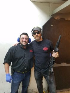 """pic di oggi 07/02/2017  http://tomhardydotorg.tumblr.com/ """"Thankyou to Ex Marine Corps Ivan and The guys and Serenity at Top Gun range Texas For a great range day much appreciated"""" #tomhardy #taboo"""