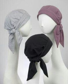Chemo scarves for cancer patients with advantages of chemo hats. Comfortable headwear made from cotton, essential for chemo patients. These cancer hats have all the appeal of a scarf and are sized for women with hair loss. Sewing Hacks, Sewing Tutorials, Sewing Crafts, Sewing Patterns, Scarves For Cancer Patients, Baby Hut, Turbans, Sewing Accessories, Sewing Clothes