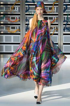 Chanel Spring 2017 Ready-to-Wear Fashion Show - Ala Sekula
