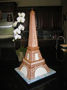 Eiffel Tower Cake step-by-step. Make this for my birthday and I will love you forever.