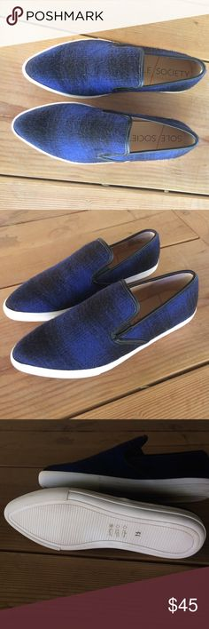 """Sole Society Slip Ons Nordstrom brand, Sole Society '""""Noe' Slip-On Sneaker"""" Brand new! Have never been worn and have the stickers on the bottom still! Blue and black with a sleek pointed toe. Let me know if you have any questions! Sole Society Shoes Flats & Loafers"""