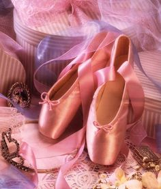 ballet, pink, and バレエ トゥシューズ ballet image Pointe Shoes, Ballet Shoes, Dance Ballet, Ballet Girls, I Believe In Pink, Fuchsia, Lilac, Lavender Color, Purple