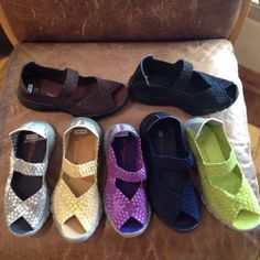 Bernie MeV Shoes supper comfortable!! I want the silver and yellow and the green. Love love my red ones!