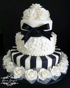 Black & white affair cake