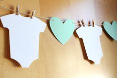 Baby Shower / Welcome Baby / Gender Reveal Banner - Alternating Onesies and Hearts Each infant bodysuit measures approximately inches. Baby Shower Bunting, Shower Banners, Baby Shower Fall, Boy Shower, Baby Shower Games, Baby Shower Parties, Shower Cake, Diy Banner, Bunting Banner
