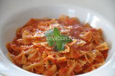 Paste in sos de rosii cu usturoi si busuioc: cum se fac. Reteta de paste in sos de rosii. Retete de post cu paste.