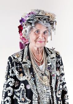 #pearlyqueen #pearlyqueens #eastend #london #costume #textiles #buttons #pearls #pearl #portrait #harrydutton