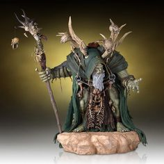 Preorder this Gentle Giant Statue now at statuesque. flexible payment options and FREE EU shipping. This Guldan statue stands at 45cm from the warcraft movie.