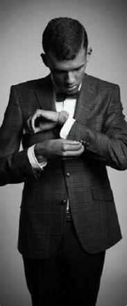 « Avant de pointer les autres du doigt, regarde les trois autres qui te pointent toi. » - Stromae
