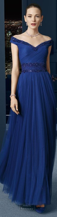 Blue long dress by Rosa Clara 2015 Lovely Dresses, Beautiful Gowns, Elegant Dresses, Beautiful Outfits, Blue Dresses, Bridesmaid Dresses, Prom Dresses, Formal Dresses, Mode Style