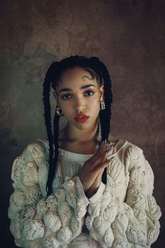 FKA Twigs    pinned by http://shoestringstylist.co/