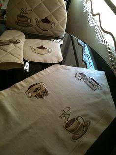runner, teapot hat, oven mitts, aplike, çaydanlık şapkası, fırın eldiveni, tutacak
