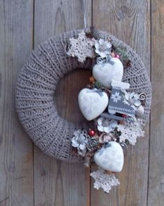 Christmas Arts And Crafts, Christmas Decorations For The Home, Valentine Decorations, Xmas Decorations, Christmas Door Wreaths, Christmas Wishes, Winter Christmas, Christmas Time, Christmas Ornaments