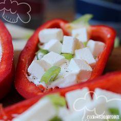 Low Carb Rezept für leckere Zaziki-Feta Spitzpaprika. Wenig Kohlenhydrate und einfach zum Nachkochen. Super für Diät/zum Abnehmen.