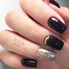 Trendy shades and patterns vary from season to season. We know everything about what you need just right the season is about to hit! All the best seasonal nail designs are gathered here and you are more than welcome to have a look! #nails #nailart #naildesign #winternails
