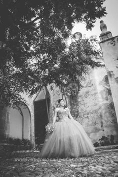 #XV #Quinceañera #fifteen #quince #TEPOTZOTLAN #hugomoralesfotógrafo #vestidorojo #reddress