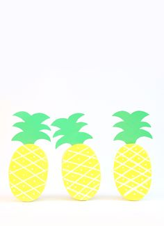 DIY Pineapple Treat Boxes