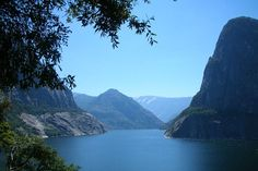 Hetch Hetchy is a glacial valley in Yosemite National Park in California. It is completely flooded by O'Shaughnessy Dam, forming the Hetch Hetchy Reservoir. © Matthew Wright