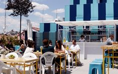 terraza La Casa Encendida Madrid Secret Places, Dog Friends, Marina Bay Sands, Rooftop, Dolores Park, Spain, Building, Outdoor Decor, Travel
