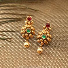 Designer Gold Earrings From Manubhai Jewellers ~ South India Jewels Jewelry Design Earrings, Gold Earrings Designs, Gold Jewellery Design, Designer Earrings, Necklace Designs, Gold Jewelry, Beaded Jewelry, Designer Jewellery, Jewellery Box