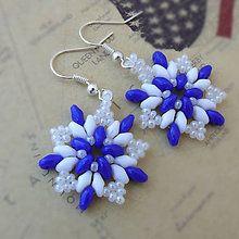 Náušnice - Náušnice: Modro-biele kvetinohviezdy - 5748847_